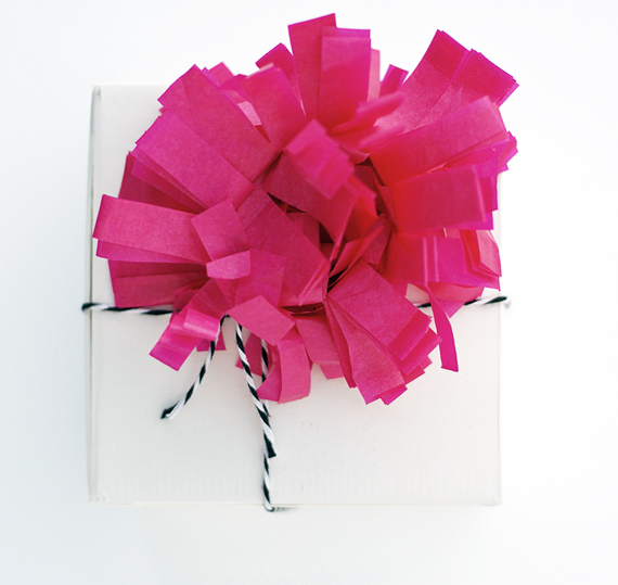 tissue-wreath-wrapping2